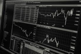 Quels indicateurs techniques utiliser pour trader en en ligne